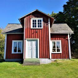 cottage-2930214_1280